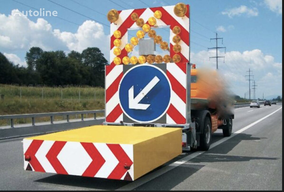 xe tải kéo cứu hộ MERCEDES-BENZ tampon signalisation routière