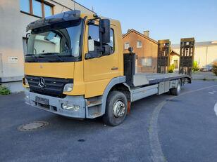 xe tải vận chuyển ô tô MERCEDES-BENZ Atego 1623 Járműszállító csörlővel és hidrorámpával